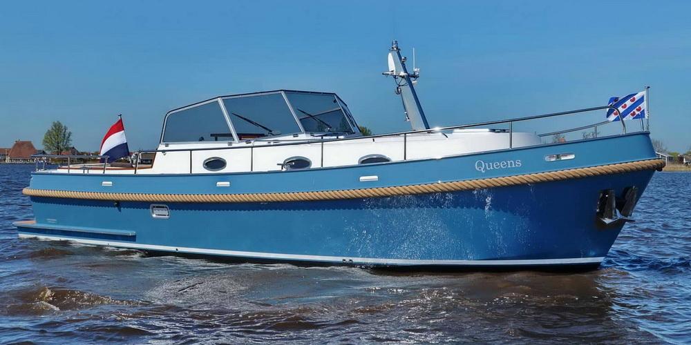varen voorkant zijkant open kuip Langenberg Cabin Cruiser LCC 33 Overwijk Yachting